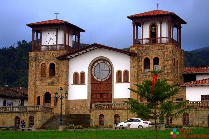 Iglesia de Chacas.