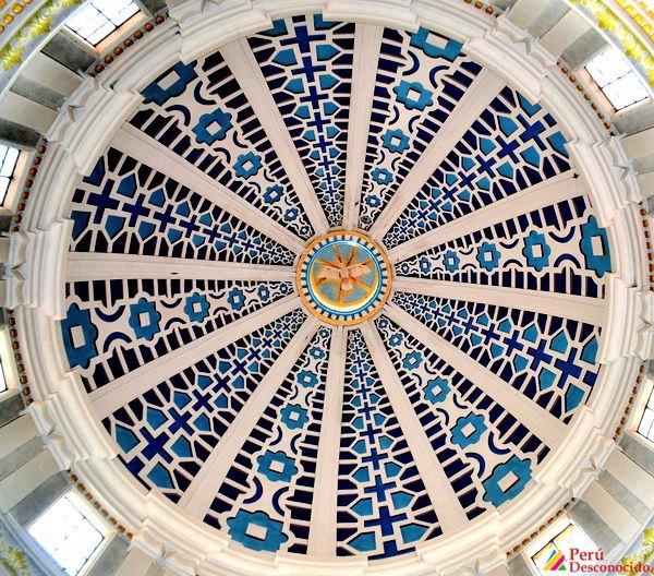 Cúpula del Santuario de Pomallucay vista desde el interior