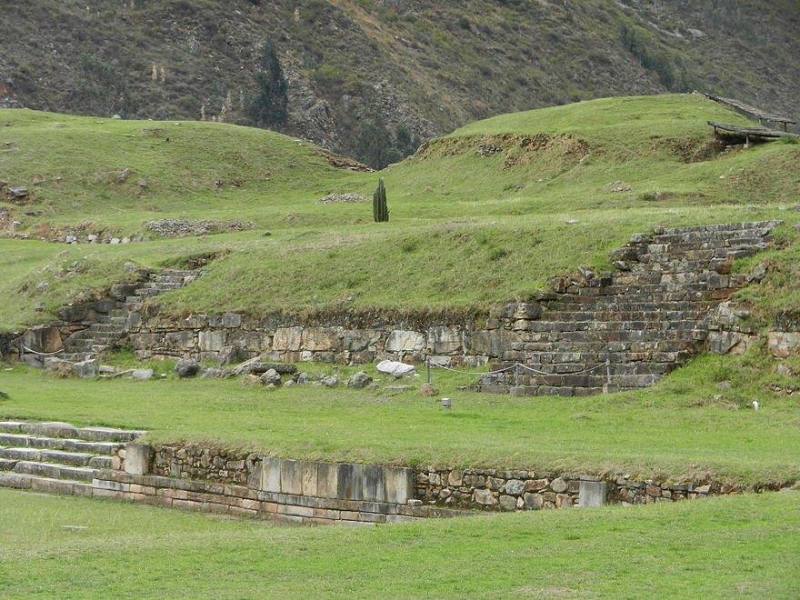 Pórtico en Chavín de Huántar