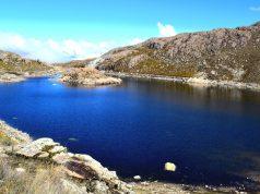 Las tres lagunas de Qharán, un destino turístico imperdible.